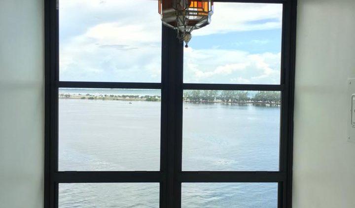 Single hung impact windows in Miami